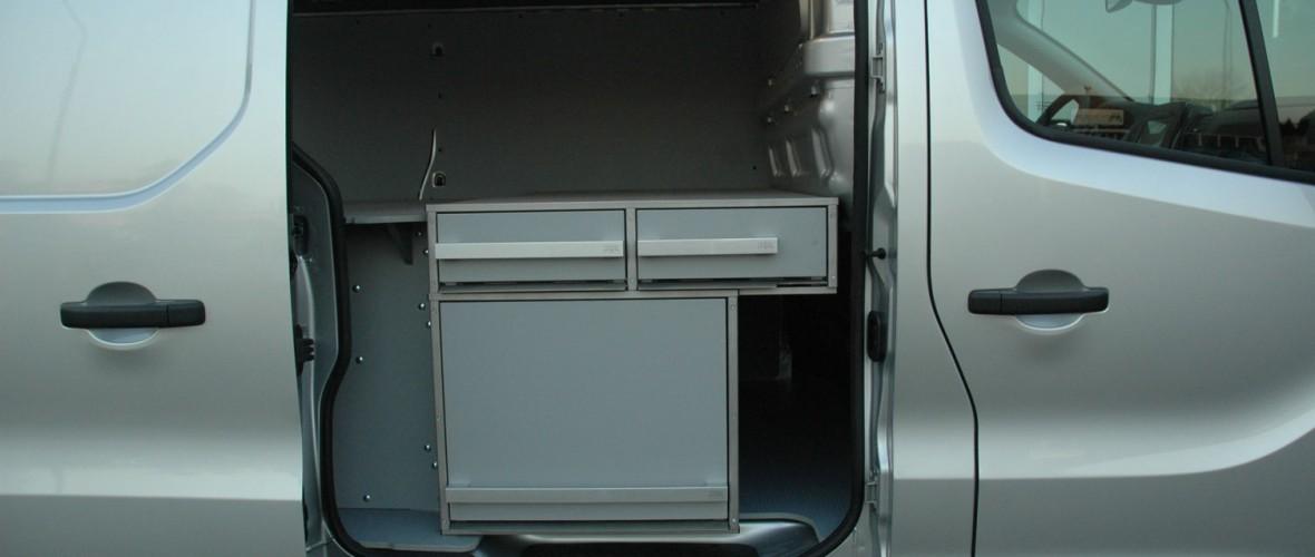 Opel-Vivaro-2.jpg
