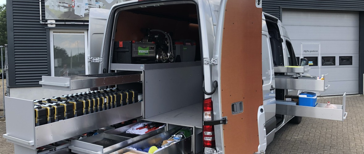 Mercedes-Benz Sprinter 1.jpg